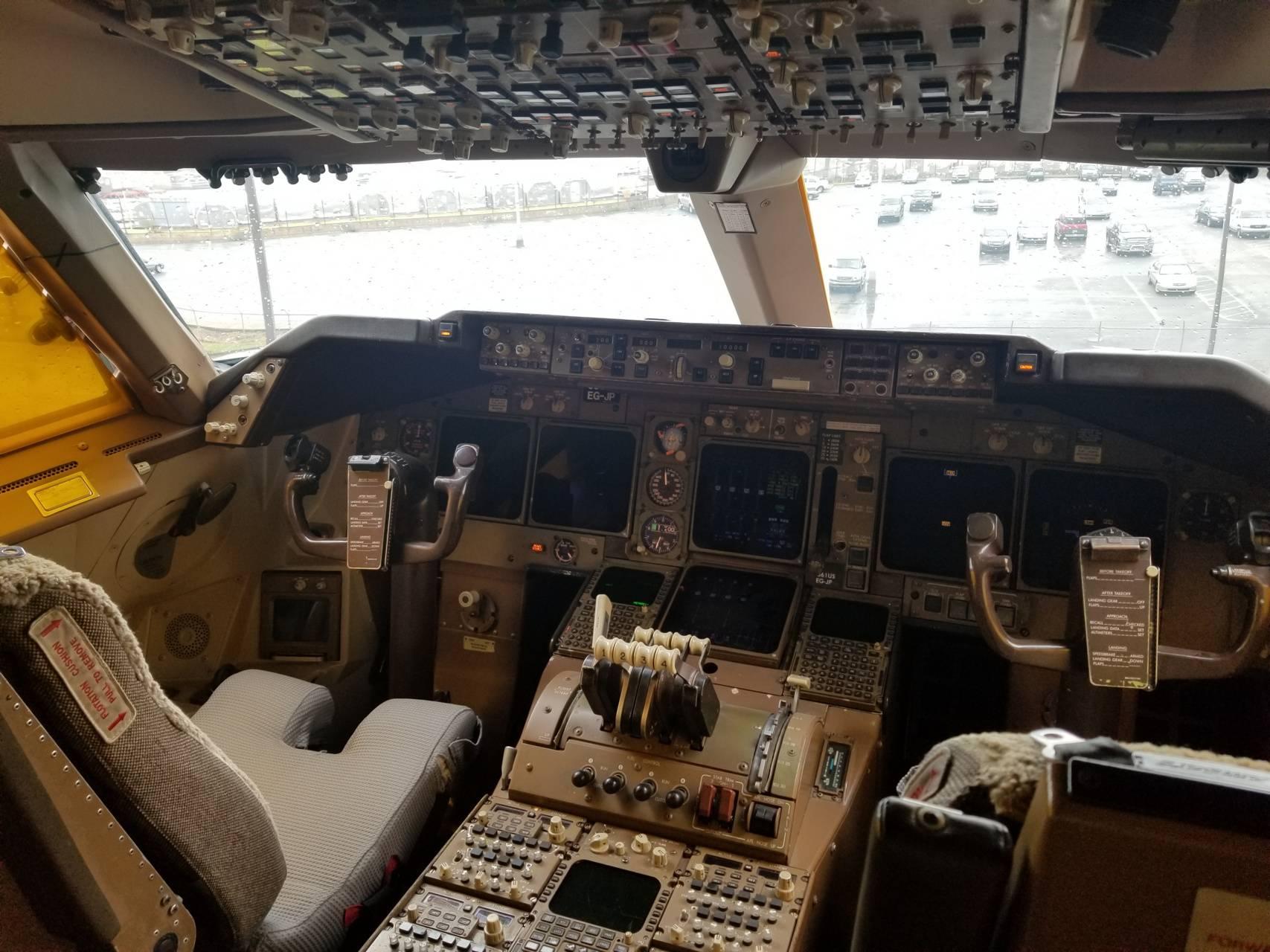 Full View 747 FD