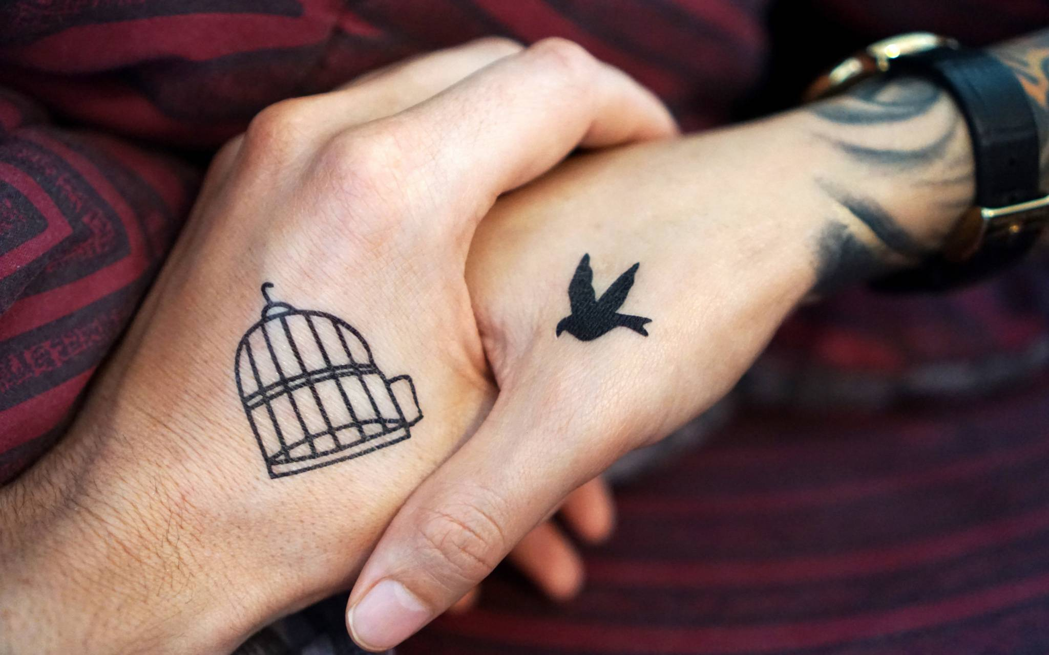 hands tattoos couple