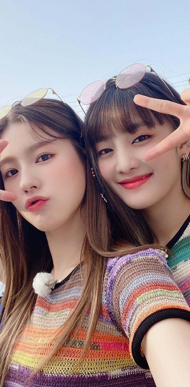Miyeon and minnie