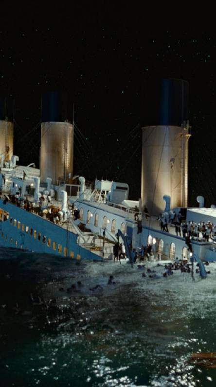 Titanic Sinking 3