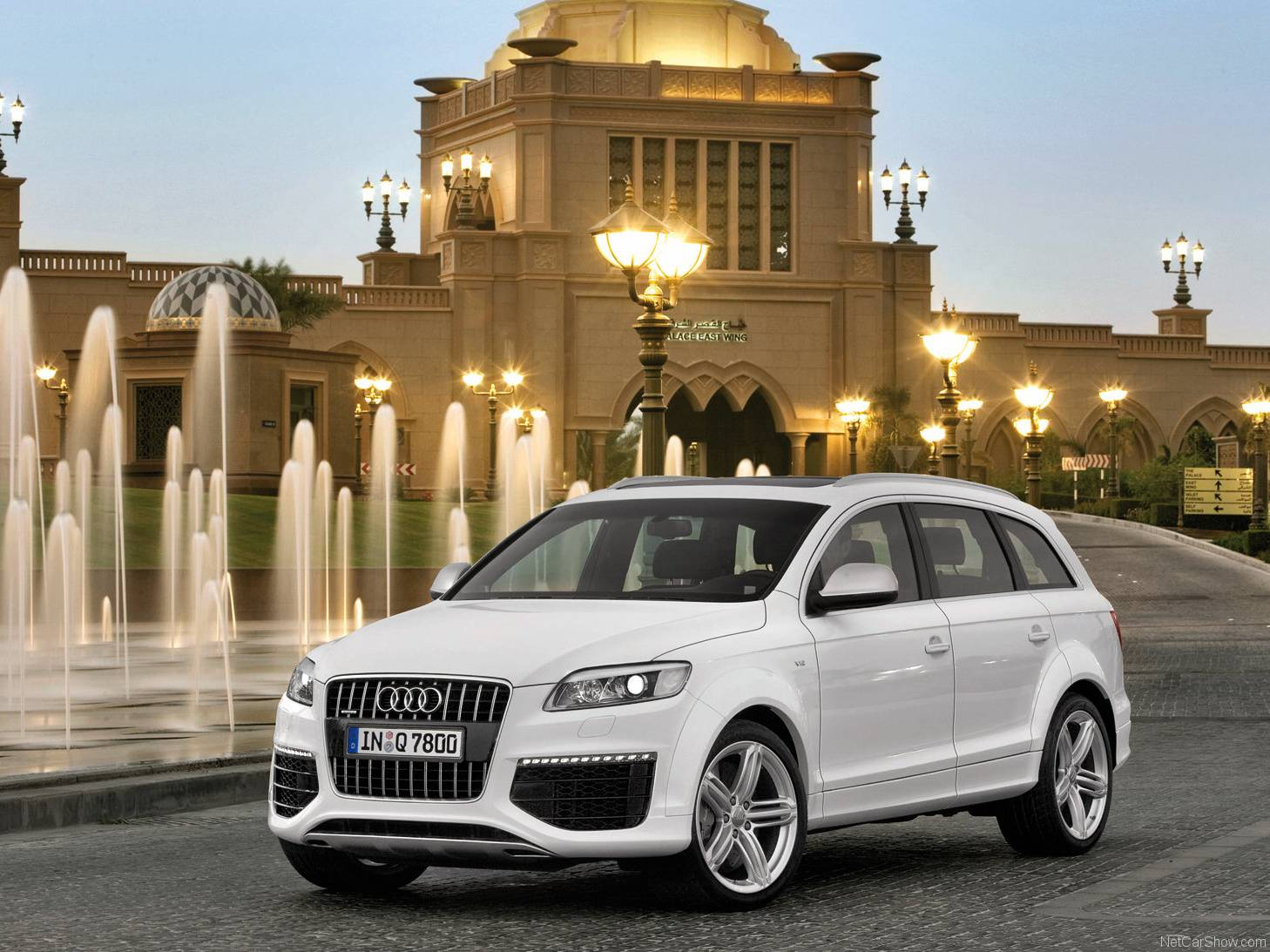 Audi Q7 Wht