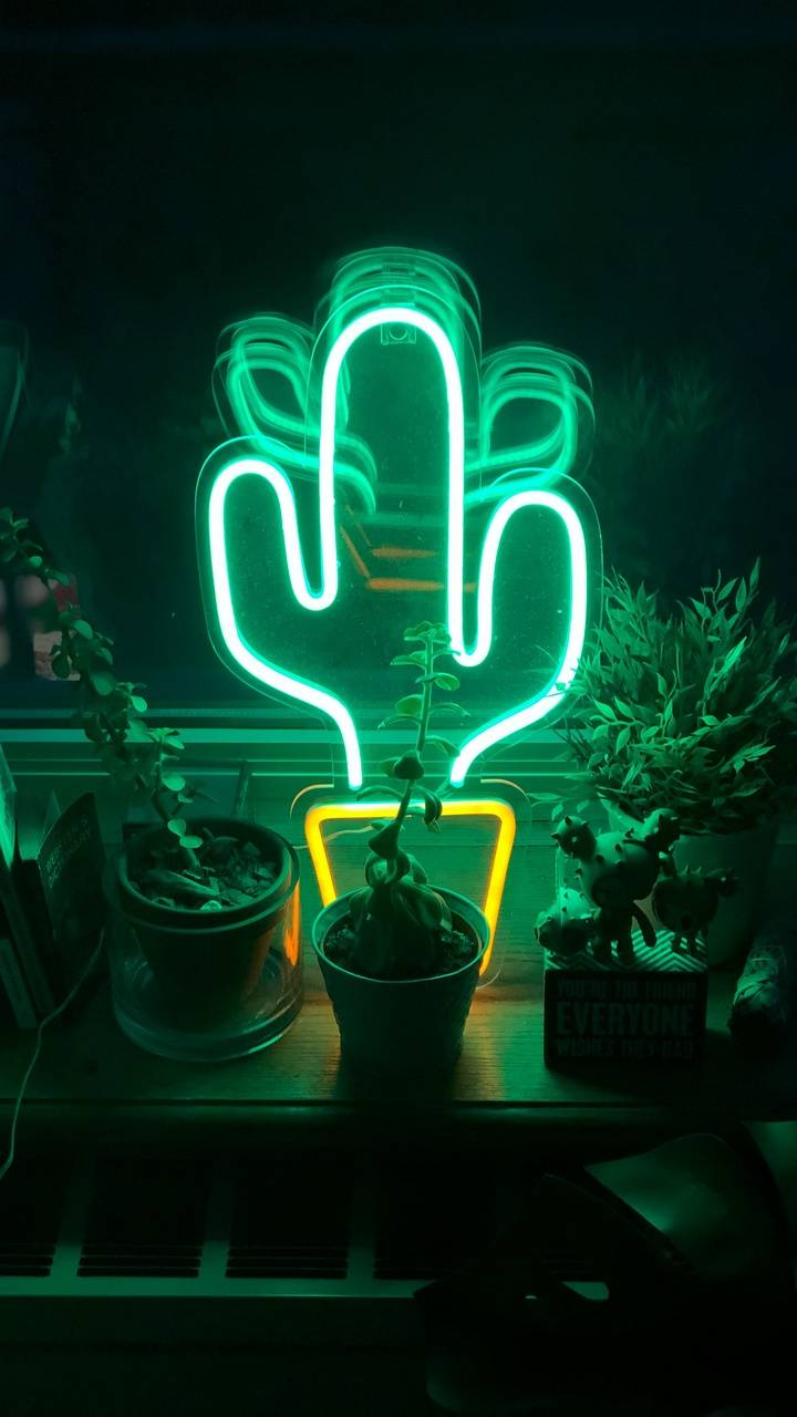 Neon Poo Thotti